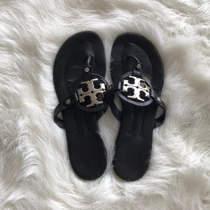 Tory Burch-Flat black Flip Flops